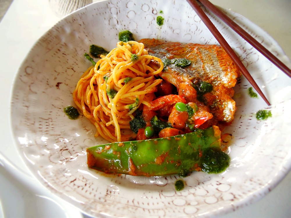 The Best Winter Seafood: Red Curry Bream with Sweet Potato, Capsicum, Snow Peas, Peas and Noodles_BrendonTheSmilingChef_1