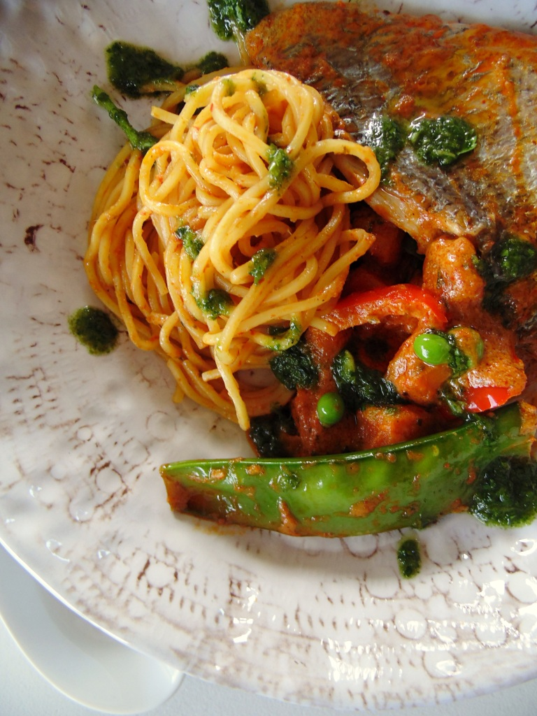 The Best Winter Seafood: Red Curry Bream with Sweet Potato, Capsicum, Snow Peas, Peas and Noodles_BrendonTheSmilingChef_4