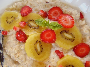 Luxurious Vanilla Bean Porridge with Gold Kiwi and Strawberry Salad_Brendon The Smiling Chef_1