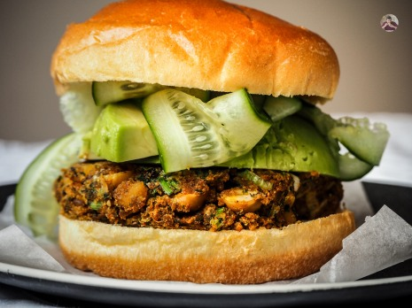 Vegetarian Chickpea Burgers